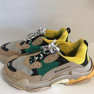 Balenciaga sneakers size 44.